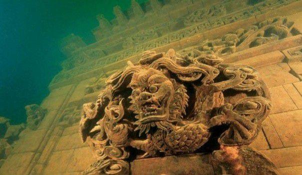 Orasul pastrat INTACT sub apa dupa 40 de ani. Asa arata Atlantida in versiunea chineza. VIDEO FOTO