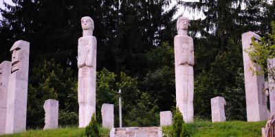 70 de ani de la Masacrul de la Moisei: 29 de romani ucisi cu sange rece de unguri, in doua case de lemn