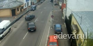 VIDEO Accident spectaculos, surprins de o camera video pe o strada din Buzau