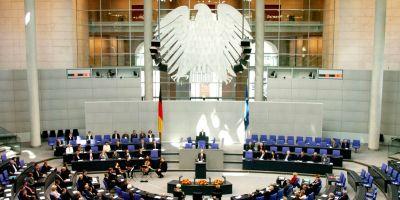 Grecii rasufla momentan usurati. Parlamentul german a aprobat prelungirea programului de sprijin financiar acordat Atenei