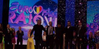 FOTO VIDEO Reportaj din culisele Eurovision 2015. O membra a trupei CEJ a urcat pe scena cu lenjeria intima rupta