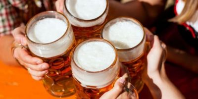 Avantajele consumului de bere: previne pietrele la rinichi si intareste oasele