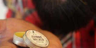 Johnnie Walker a lansat ceara aromata pentru mustata. Ce face noul produs, conceput special pentru hipsteri?