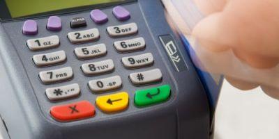 Comisioane mai mici la cumparaturile cu cardul. Parlamentul European a aprobat plafonarea comisioanelor interbancare la tranzactii