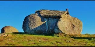 Casa desprinsa parca din Epoca de Piatra, atractie turistica in Portugalia: misterul adapostului primitiv din muntii Fafe