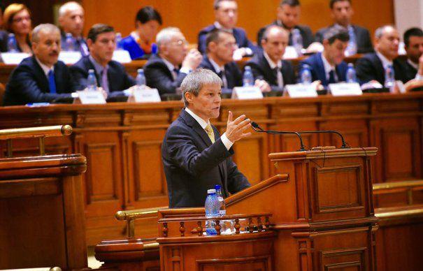 Premierul Dacian Ciolos, chemat in Parlament