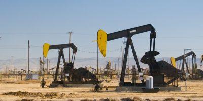 Pretul petrolului scade din nou cu 6%, pe fondul rapoartelor privind neintelegerile dintre marile state producatoare si a turbulentelor din China