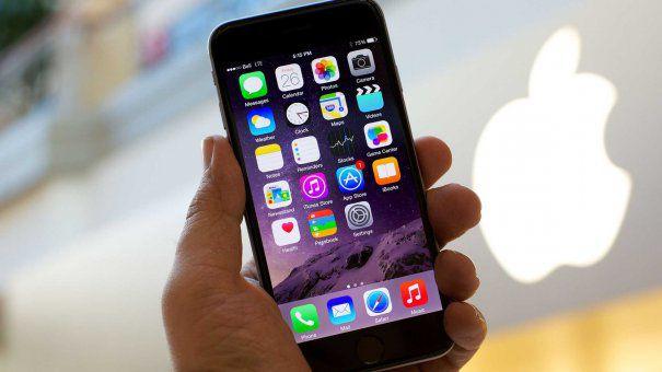 Doi fosti IUBITI s-au CERTAT pentru un iPHONE si totul a ajuns la EXTREM | FOTO