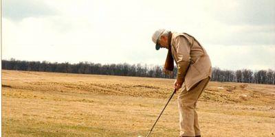 Unul dintre marii jucatori de golf ai lumii a fost roman. Povestea legendarului Paul Tomita, aristocratul din era comunista