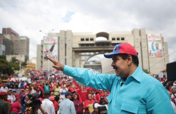 Venezuela, la un pas de prabusirea in haos