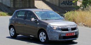 Foto-Spion: Dacia Sandero si Logan se pregatesc pentru un facelift minor