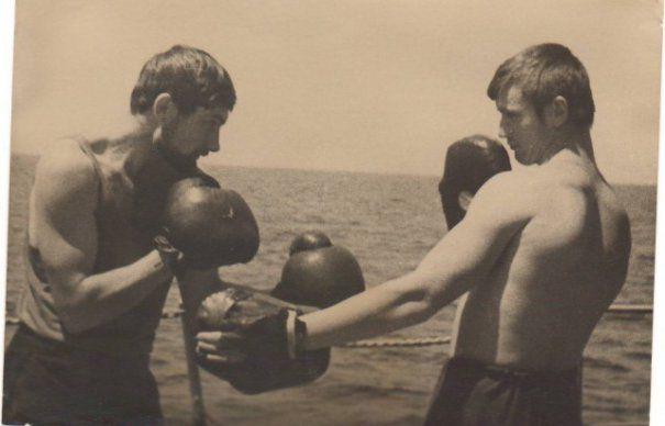 APUCATURILE soldatilor RUSI. Ce faceau SOVIETICII cand luau o pauza de la INVADAT alte TARI | GALERIE FOTO