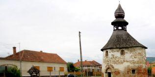 Necropola secreta a Rotondei: tainele cimitirului medieval de sub cea mai veche biserica zidita in Romania