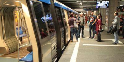VIDEO Statiile de metrou de la Eroilor la Timpuri Noi, evacuate din cauza a doua sticle de suc si a unui sandvis buclucas