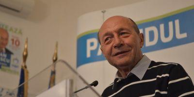 Basescu, despre sesizarea Avocatului Poporului la CCR: Motivarea e absolut puerila. Interesant de vazut si metamorfoza lui Dorneanu