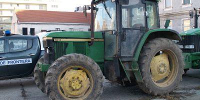 Curtea Suprema: Conducerea unui tractor pe drumurile publice, fara permis, nu este infractiune