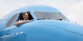 Regele Olandei piloteaza de doua ori pe luna curse ale KLM