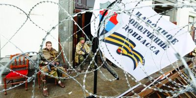 Un nou razboi ruso-ucrainean la orizont. Presedintele Porosenko a semnat legea privind reintegrarea regiunii Donbas